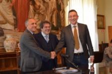 """""""Tsunami"""" politico-giudiziario a Catania: Enzo Bianco e la sua giunta rinviati a giudizio"""